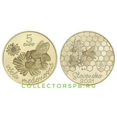 Монета 5 евро 2021 год. Словакия. Пчела.