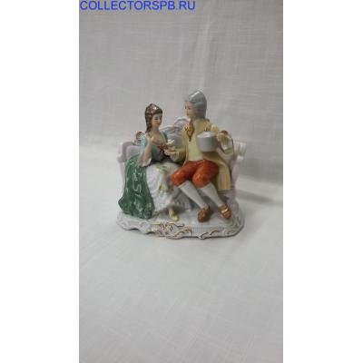 """Статуэтка """"Влюбленные на скамейке"""". Фарфор. CDC Rococo collection."""