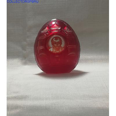 Яйцо пасхальное. Рубиновое (красное) стекло. Святой Николай Чудотворец. С оригинальным оптическим эффектом.