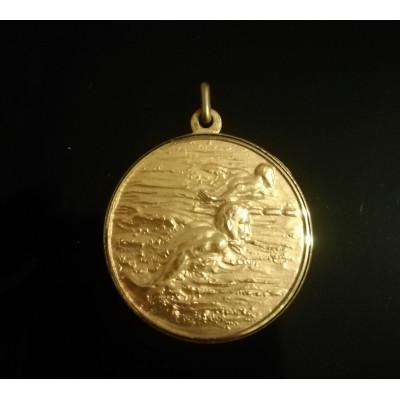 """Медаль шейная Чемпионат Европы по плаванию 1971 год. Авиньон. 1 место """"золото""""."""