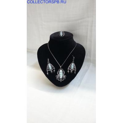 Гарнитур (Краснохолмский): серьги, кольцо, кулон на цепочке. Финифть, скань, мельхиор. СССР.