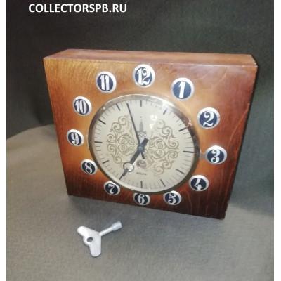 Часы настольные (настенные). Весна. Олимпиада 1980. СССР.
