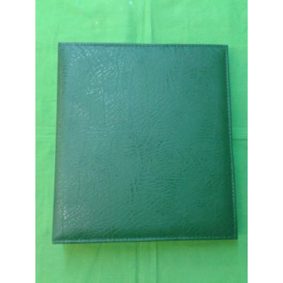 Альбом вертикальный 230х270 мм, кожзаменитель, с листами для значков на ткани
